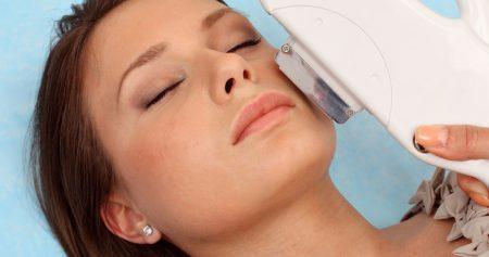 مخاطر ازالة الشعر بالليزر.. بين الآثار الجانبية والأساطير الشائعة