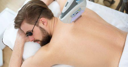 ازالة شعر الجسم للرجال.. بأفضل الطرق التقليدية والحديثة