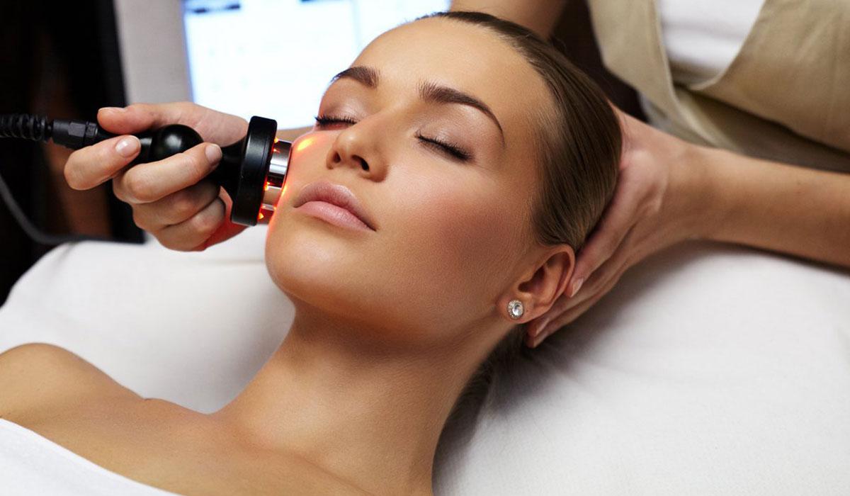 تجارب ازالة شعر الوجه بالليزر للنساء والرجال.. ونتائج وآراء مختلفة