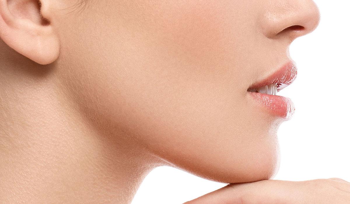 علاج الذقن المزدوج.. بين الطرق الطبيعية والإجراءات التجميلية لوجه أكثر تناسقًا