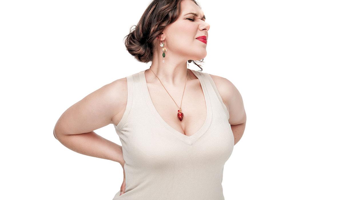 كبر حجم الصدر.. أحد علامات الأنوثة أم مشكلة صحية يجب حلها؟