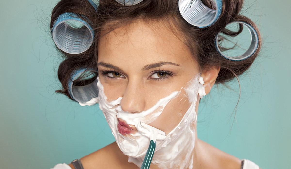 كيف ازيل الشعر بعد جلسات الليزر ؟ ونصائح هامة لنتائج أفضل